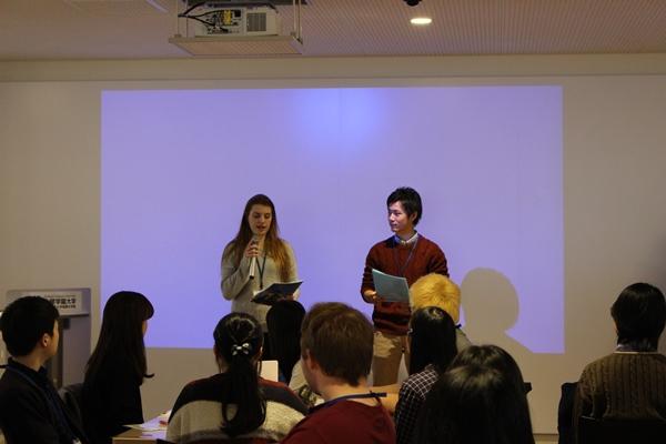 本学学生と留学生によるMC